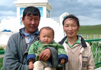 pedelec-adventures-com_tour-de-mongolia_2012-07-06_tag2_mongolenfamilie_p1020254_web