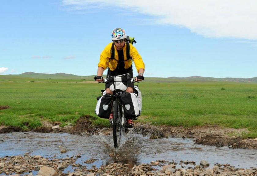 pedelec-adventures-com_tour-de-mongolia_2012-07-07_tag3_crossing-river_dsc_1100_2_web